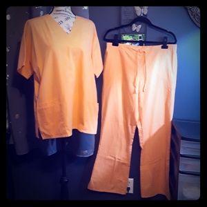 Cherokee Orange Scrub Set Size M